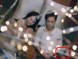 Trổ tài gắp 'sạn' MV 16+ của Soobin Hoàng Sơn, các thánh soi hết hồn vì xuất hiện bàn chân vô chủ phá đám cảnh lãng mạn