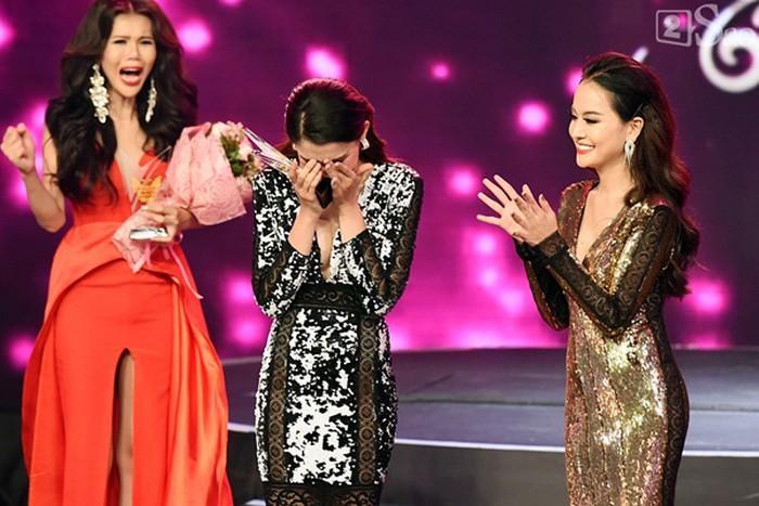 HOT: Á hậu Chuyển giới xinh như hoa bị loại thẳng khỏi cuộc thi Hoa hậu Hoàn vũ Việt Nam 2019-4