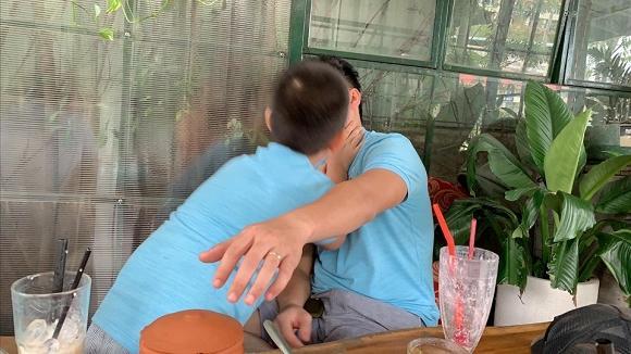 Nhìn loạt ảnh này giữa con trai Lê Phương và chồng trẻ - ai dám nghĩ là con riêng và bố dượng-2