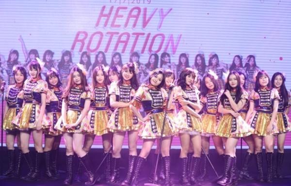 Hit quốc dân của Nhật Bản chính thức được nhóm nhạc đông thành viên nhất Việt Nam chuyển thể-2