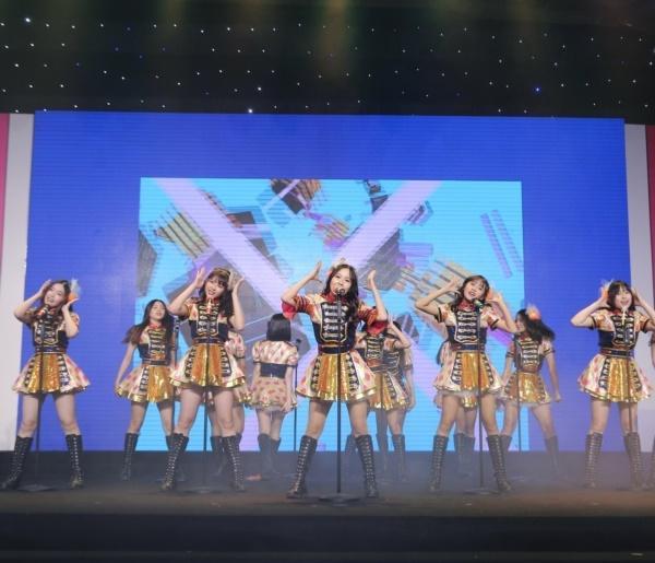 Hit quốc dân của Nhật Bản chính thức được nhóm nhạc đông thành viên nhất Việt Nam chuyển thể-3