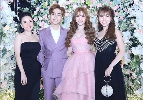 Trang điểm mặt trắng bóc trong đám cưới, Thu Thủy và chồng kém 10 tuổi bị ví như 2 tượng sáp-2
