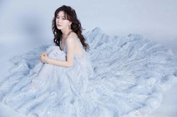 Nhìn gương mặt và dáng vóc này, ai nghĩ Phú Sát Hoàng hậu Tần Lam đã bước sang tuổi 38-5