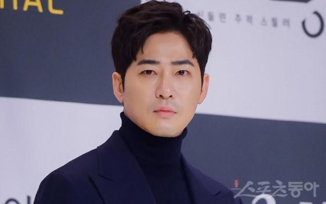 Kang Ji Hwan hát karaoke sau khi hiếp dâm tập thể-1