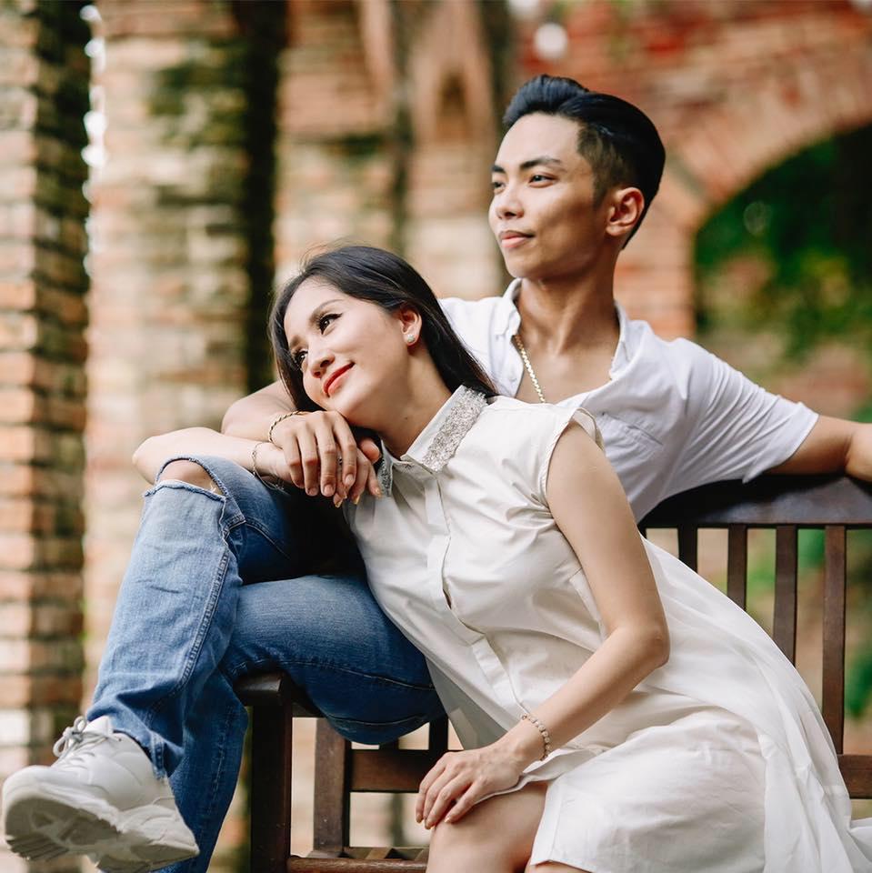 Biến Facebook thành tiểu thuyết ngôn tình mang tên Khánh Thi, có mấy ông chồng yêu vợ được như Phan Hiển!-1