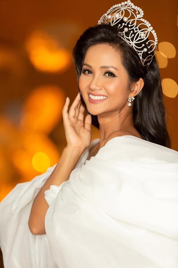Nếu ghi danh Hoa hậu Hoàn vũ Việt Nam 2019, HHen Niê sẽ phải tự trao vương miện cho chính mình?-6