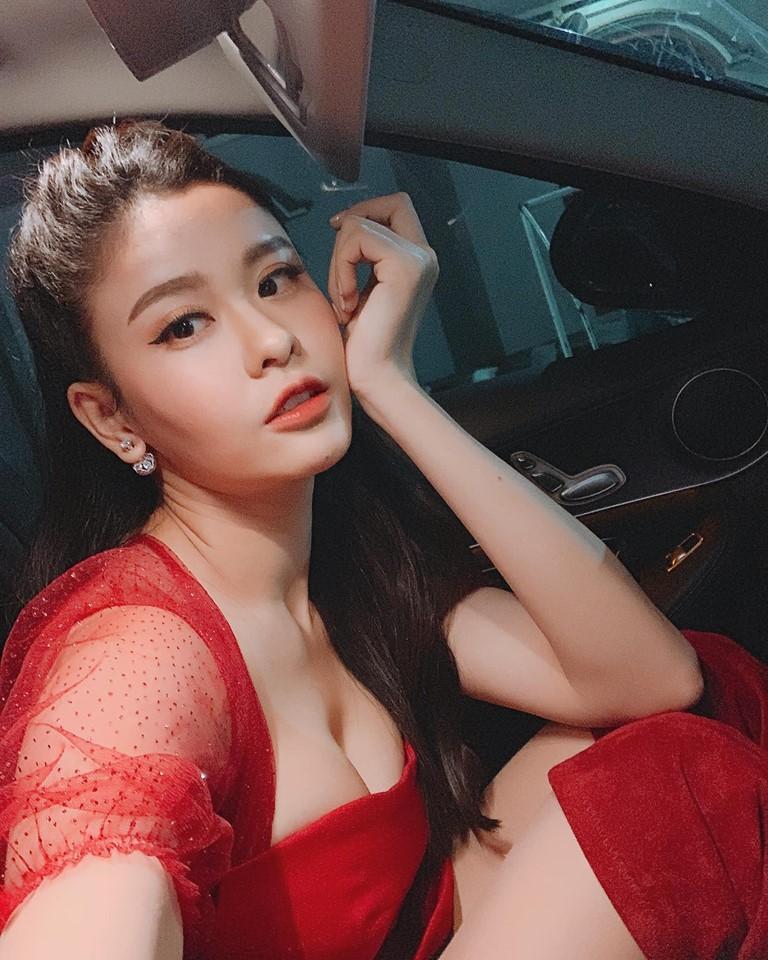 Khoe cơ thể sexy với bikini, Trương Quỳnh Anh bị dân mạng đồng loạt chê dáng ngồi vô duyên hết phần thiên hạ-6