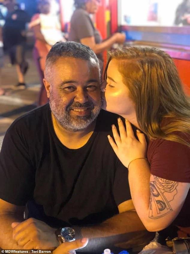 Cặp đôi đi đâu cũng bị gọi là 2 bố con, cách đáp trả của cô gái trẻ 21 tuổi khiến nhiều người ngỡ ngàng-2