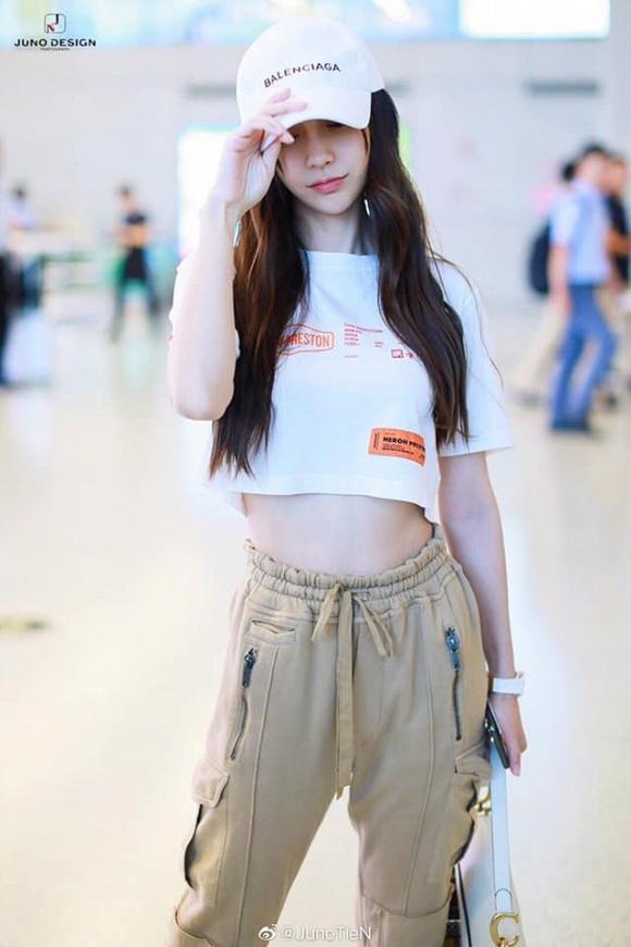 Chẳng chịu kém cô bạn thân Dương Mịch, Angela Baby cũng tham gia đường đua khoe eo con kiến-2