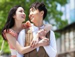 Bức ảnh của 1 đám cưới gây xôn xao mạng xã hội: Ai cũng tò mò khuôn mặt cô dâu thế nào...-5