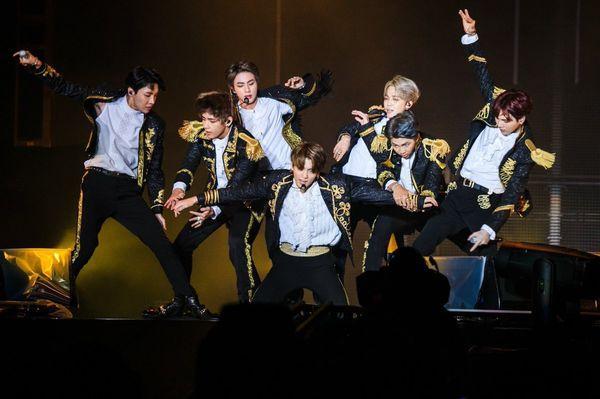 BTS lại vừa chính thức xác lập kỷ lục Billboard thế giới nhờ ca khúc này!-2