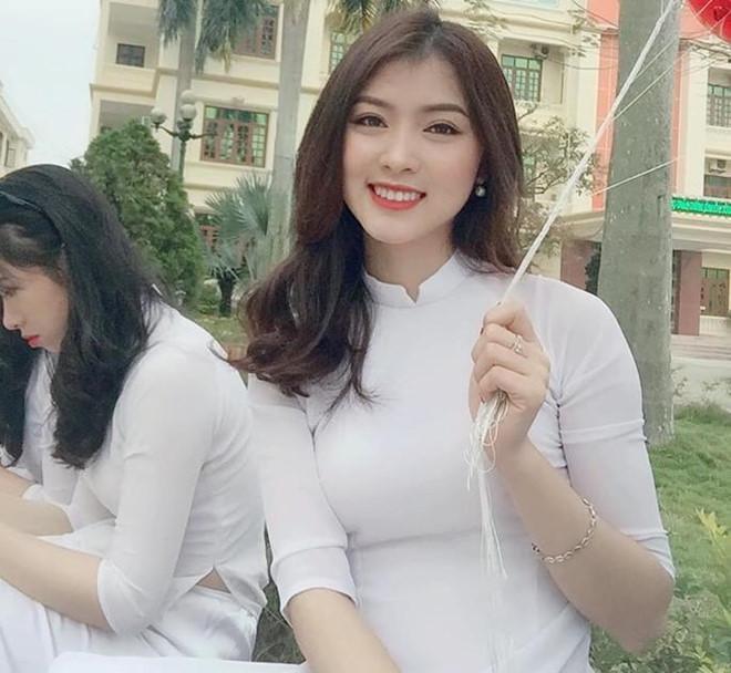Cô giáo mầm non Nghệ An được khen xinh như hot girl-1