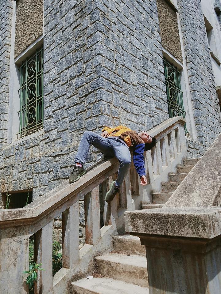 Thanh niên chơi trội chụp bộ ảnh vừa đi chơi vừa ngủ gật tại Đà Lạt không ngờ nhận cơn bão chia sẻ mạng xã hội-13
