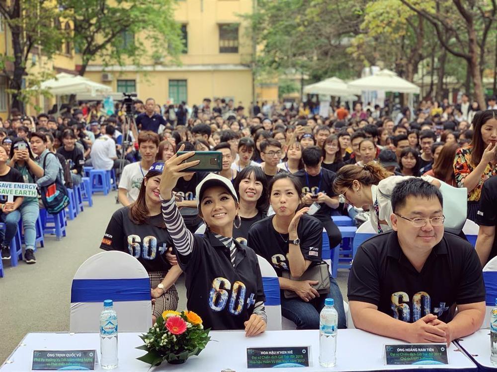Sau đại chiến Miss Universe 2018, HHen Niê và top 5 người đẹp nhất bây giờ ra sao?-20
