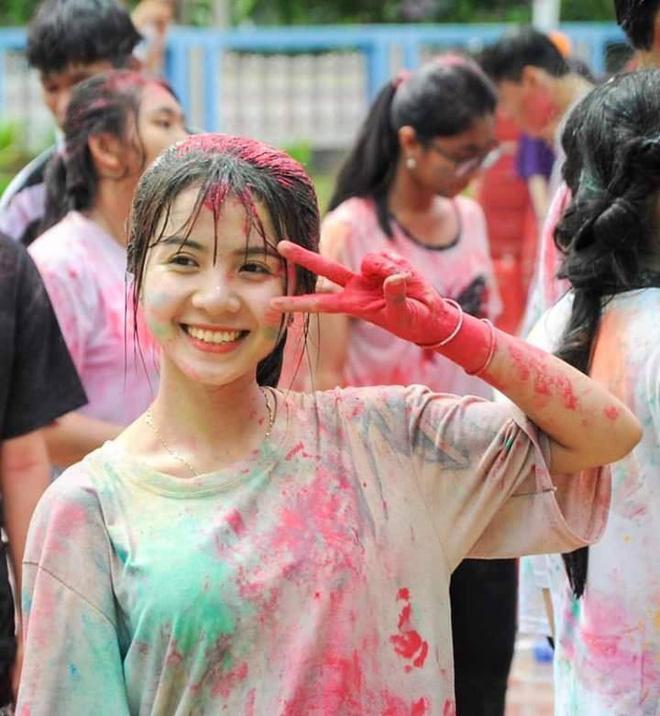 Diện trang phục người Campuchia, nữ sinh 18 tuổi bất ngờ gây sốt vì lý do quá đặc biệt-3