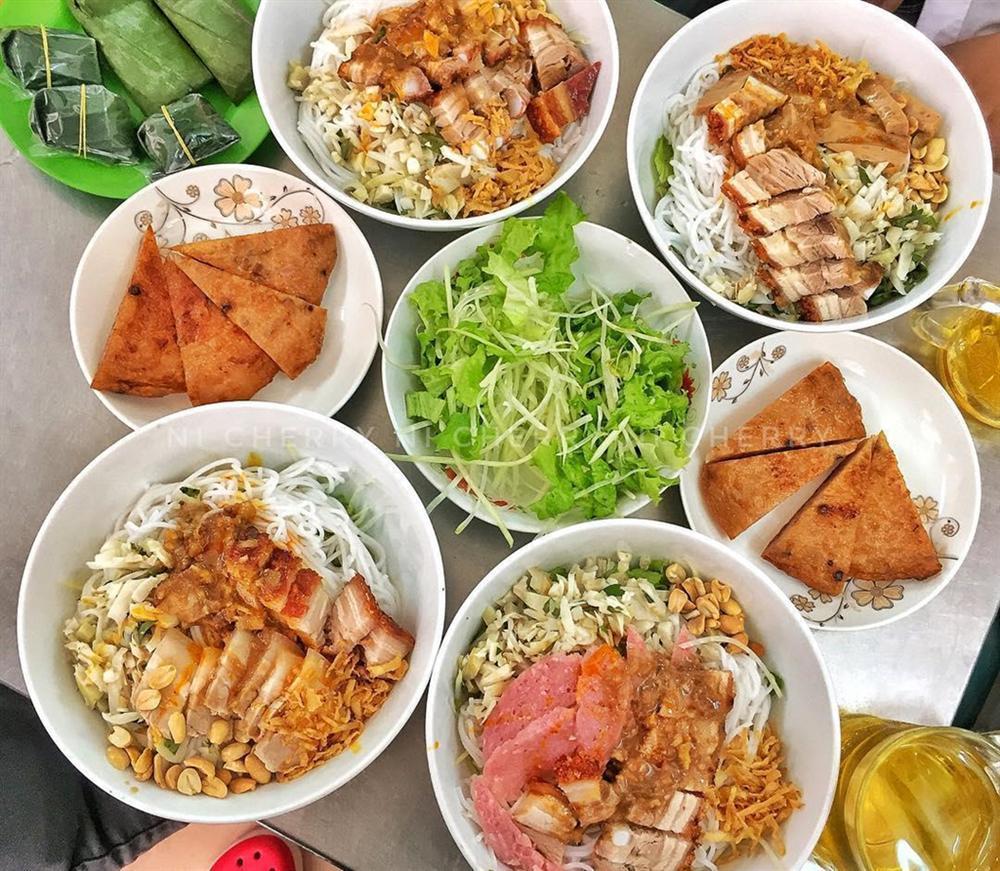 Bánh tráng cuốn thịt heo và 5 món ăn không thể bỏ lỡ ở Đà Nẵng-4