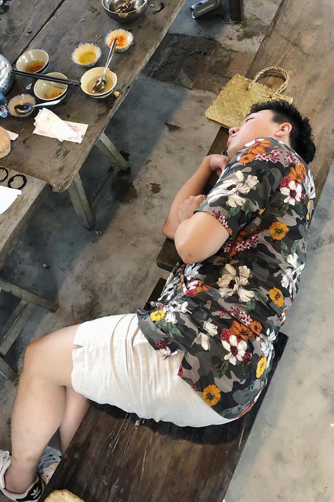BB Trần dìm hàng Trấn Thành bằng loạt ảnh ngủ xấu ở Running Man-2