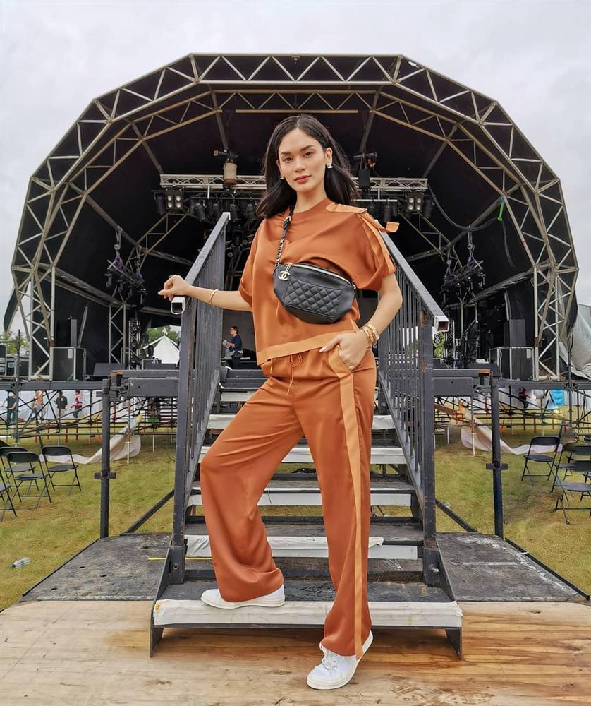 Bản tin Hoa hậu Hoàn vũ 21/7: HHen Niê mặc quần jeans kỳ cục, phong cách lép vế toàn tập giữa rừng mỹ nhân-5