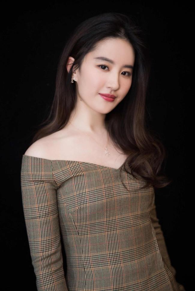 Triệu Lệ Dĩnh - Lưu Diệc Phi - Dương Mịch: 3 nữ hoàng truyền hình thất bại thảm hại với phim điện ảnh-7