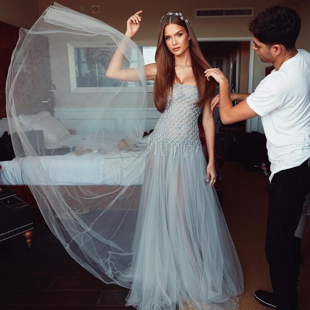 Ninh Dương Lan Ngọc đẹp chẳng kém thiên thần Victorias Secret khi đụng hàng-4