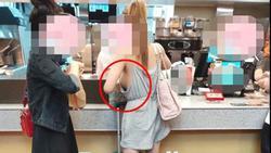 Hở gần hết vòng 1 vì không mặc áo ngực, cô gái trẻ khiến người xem kinh hãi với kiểu thời trang khoét xẻ táo bạo
