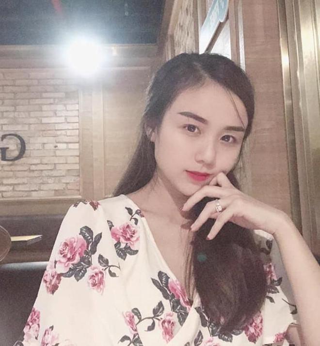 Vợ Hoài Lâm được khen về ngoại hình sau 2 lần sinh con ở tuổi 23-6