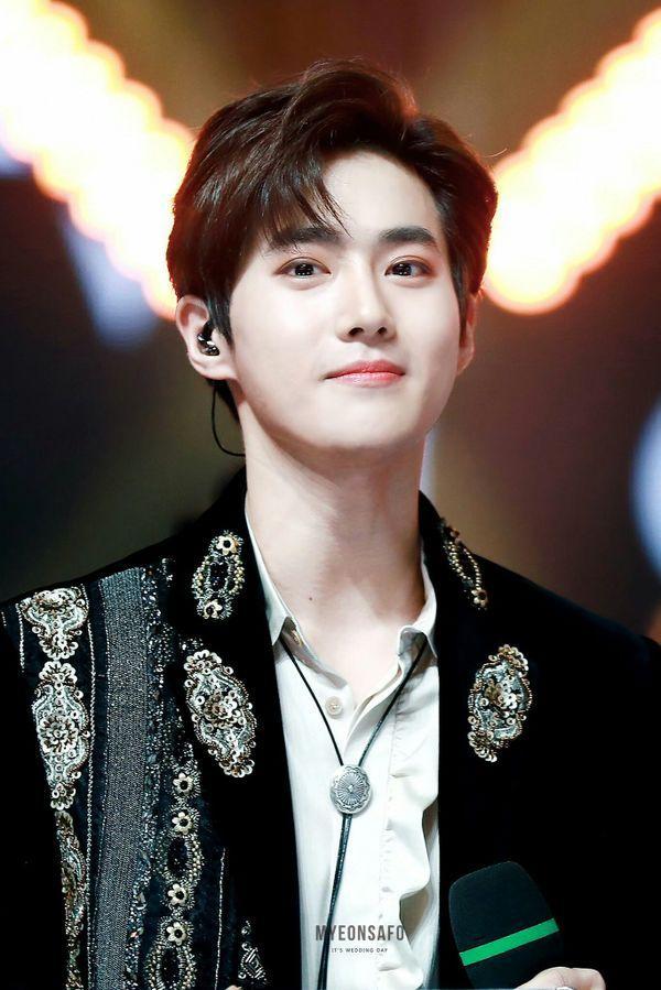 Suho ngượng ngùng vì lỡ spoil thông tin về album mới sắp ra mắt của EXO ngay trên sân khấu concert-2