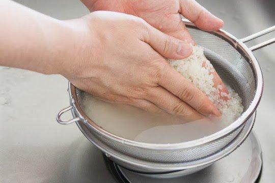 Lúc nấu cơm, hãy thêm 2 thứ này đảm bảo cơm ngon, dẻo, ăn mấy bát vẫn thèm-1
