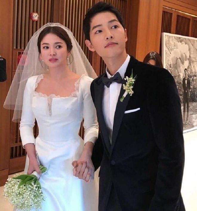 Tòa vừa thông báo chính thức ly hôn, Song Hye Kyo lập tức có hành động dứt tình với chồng cũ-1