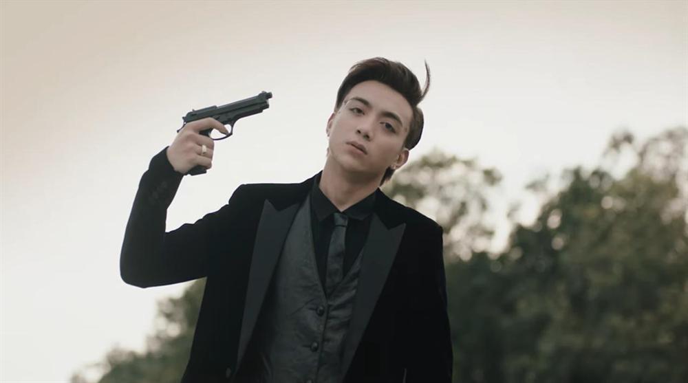 16+, súng và máu - MV của Soobin Hoàng Sơn vẫn chóng quên?-3