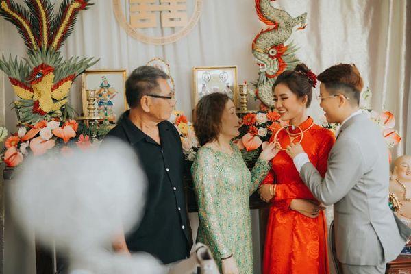 Quen nhau 5 tháng đã quyết định về chung một nhà, cặp đôi đình đám của cộng đồng LGBT Việt gây bão mạng với đám cưới hoành tráng-1