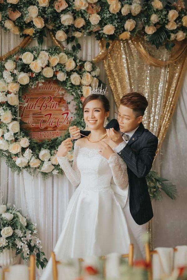 Quen nhau 5 tháng đã quyết định về chung một nhà, cặp đôi đình đám của cộng đồng LGBT Việt gây bão mạng với đám cưới hoành tráng-3