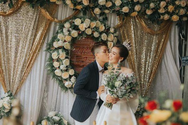 Quen nhau 5 tháng đã quyết định về chung một nhà, cặp đôi đình đám của cộng đồng LGBT Việt gây bão mạng với đám cưới hoành tráng-10