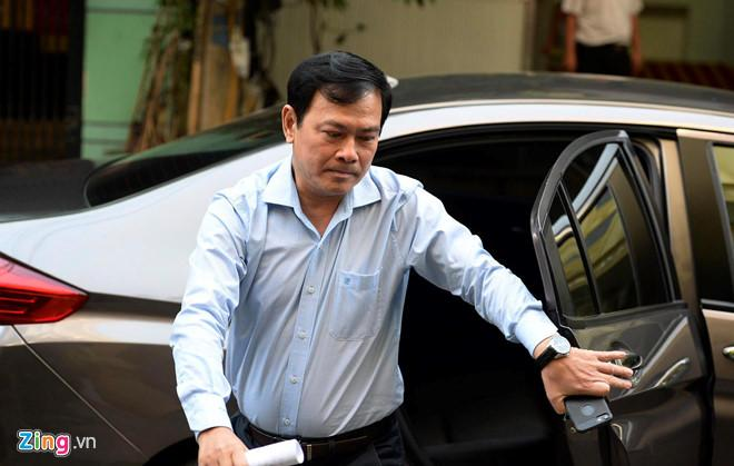 Chưa đủ cơ sở kết luận tay trái của Nguyễn Hữu Linh chạm vào bé gái?-1