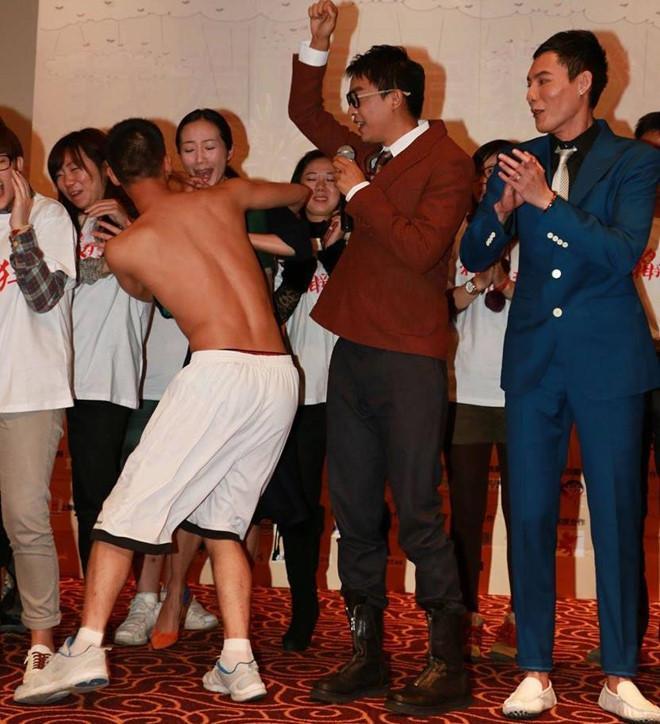 Những lần nghệ sĩ Trung Quốc bị tấn công giữa sự kiện-4