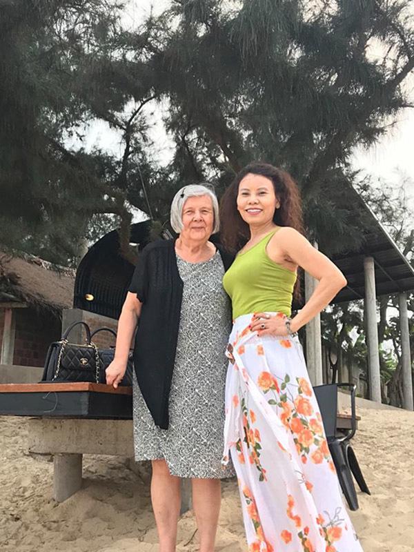 Tiễn con trai về nước dự hôn lễ Cường Đô La, Hồ Ngọc Hà bất ngờ lấp lửng không cưới Kim Lý?-3