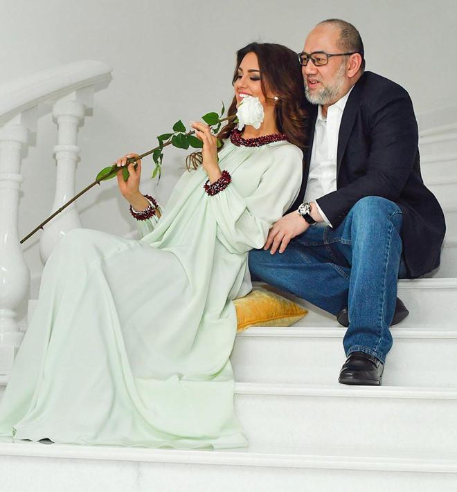 Nhan sắc quyến rũ của hoa hậu người Nga vừa ly hôn cựu vương Malaysia-1