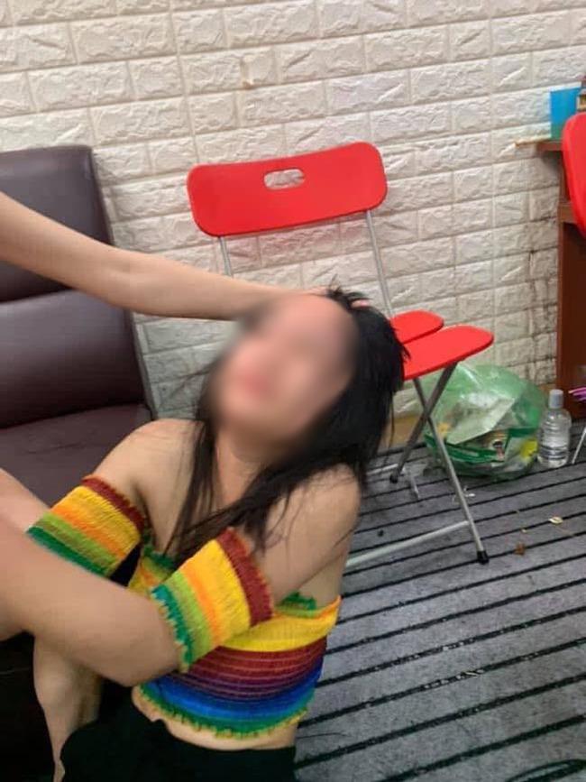 Hotgirl 15 tuổi bị đánh ghen dã man, cắt trụi tóc vì ngủ với chồng chị chủ để… trả ơn-2