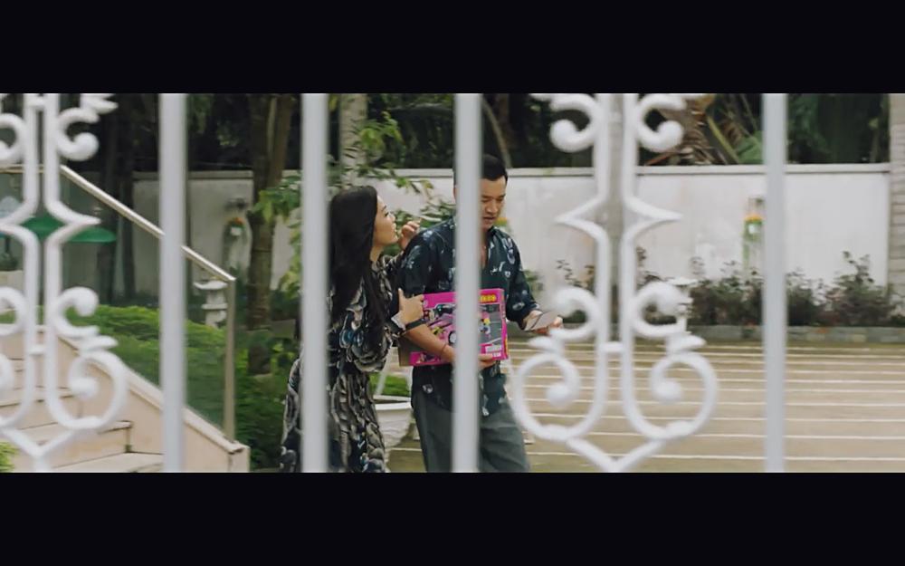 Vừa xác nhận ly hôn, Hồng Đào gặp lại Quang Minh trong phim với tình huống y hệt-12