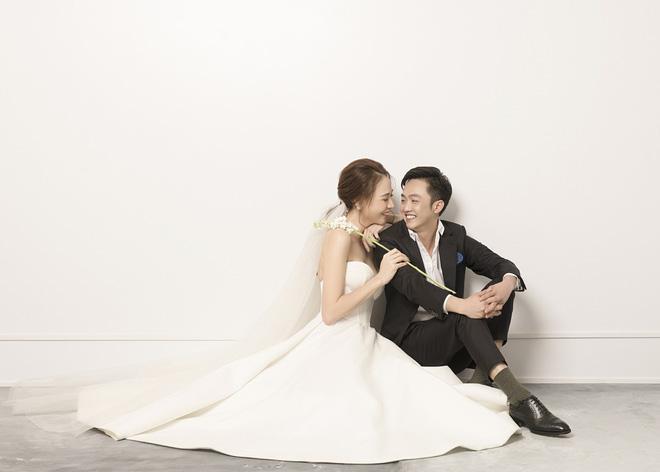 Đàm Thu Trang như người khổng lồ trong ảnh cưới với Cường Đô La: Bí kíp nào cho cặp đôi cột đèn - máy nước trở nên hài hòa?-3