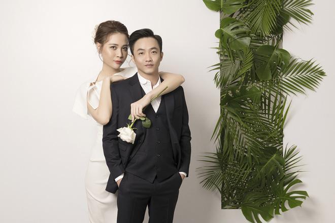 Đàm Thu Trang như người khổng lồ trong ảnh cưới với Cường Đô La: Bí kíp nào cho cặp đôi cột đèn - máy nước trở nên hài hòa?-5