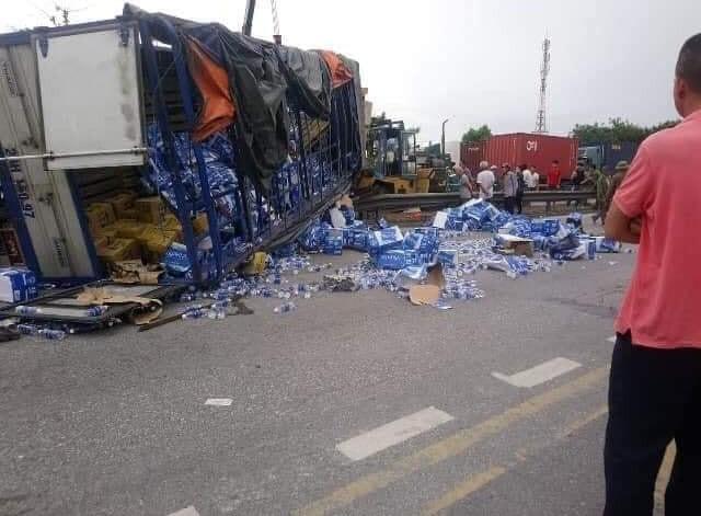 Nhân chứng kể lại tai nạn ám ảnh ở Hải Dương: Rùng mình khi bánh xe tải đè lên mặt 3 người-2