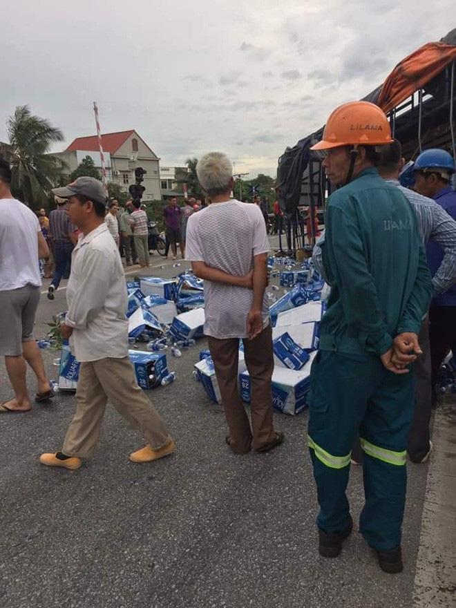 Hiện trường ám ảnh, không dám nhìn vụ đứng xem tai nạn khiến ít nhất 6 người tử vong tại Hải Dương-3