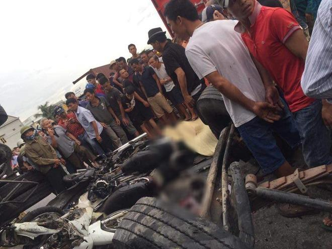Hiện trường ám ảnh, không dám nhìn vụ đứng xem tai nạn khiến ít nhất 6 người tử vong tại Hải Dương-6
