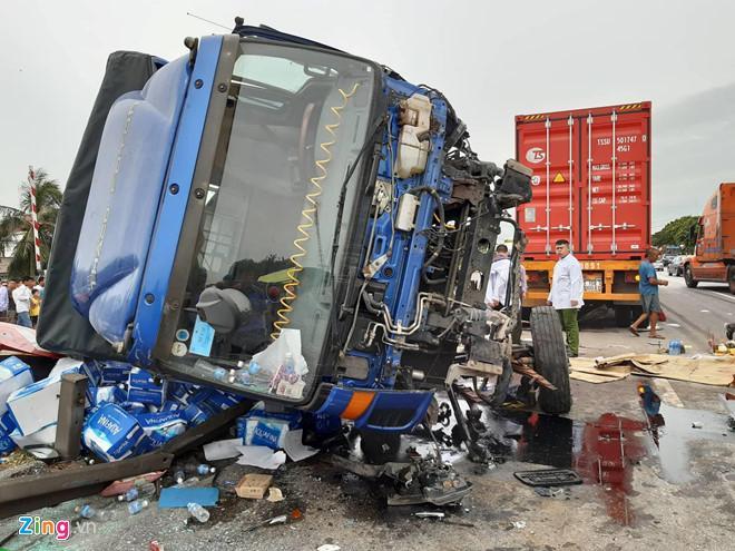 3 vụ tai nạn giao thông liên tiếp ở Hải Dương làm 7 người chết-1