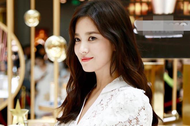 Vụ xử ly hôn của Song Hye Kyo và Song Joong Ki diễn ra trong 5 phút-2