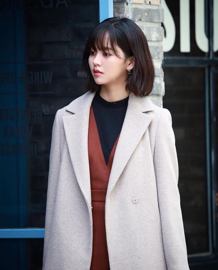 Em gái mưa Kim So Hyun khoe ảnh mới xinh tươi sau tai nạn phim trường-1