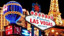 Ghé sòng bài, xem show ảo thuật và 7 trải nghiệm về đêm ở Las Vegas