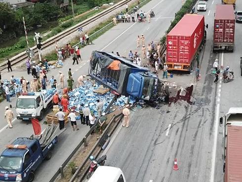 Vụ xe tải đè chết 5 người trên quốc lộ xảy ra như thế nào