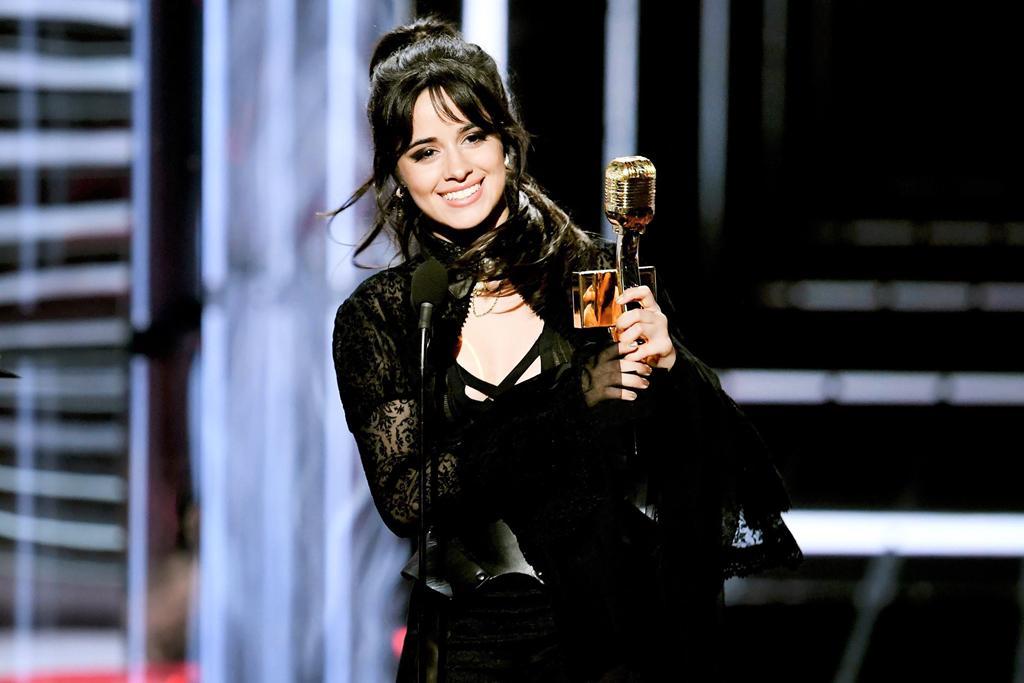 Camila Cabello - chủ nhân hit tỷ view, tin đồn yêu Shawn Mendes-4